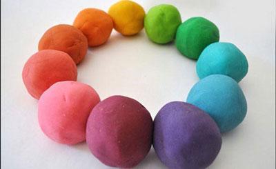 طرز تهیه خمیر بازی کودکان با مواد خانگی