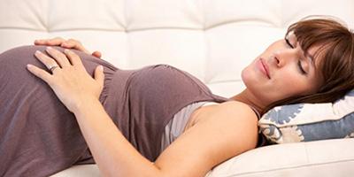 علت مشکلات خواب در دوران بارداری چیست؟